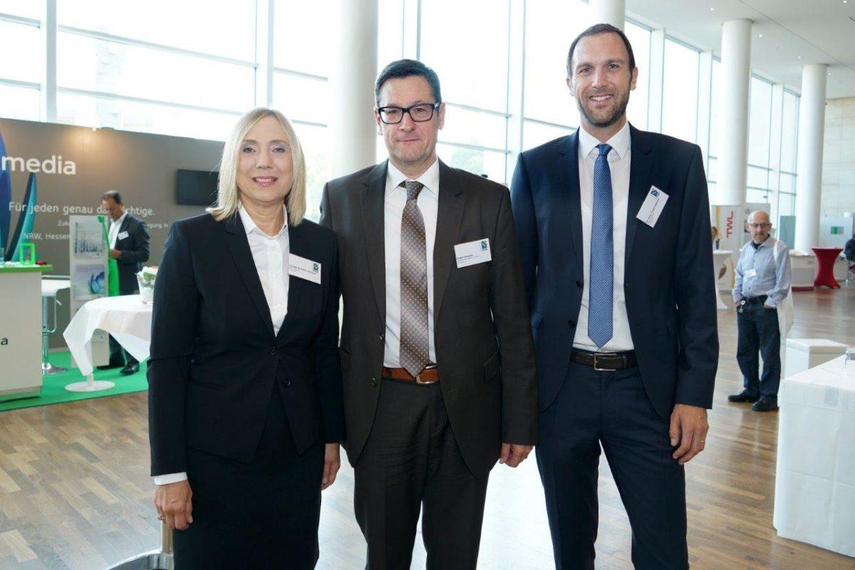 v. l. n. r.: Claudia Brünnler-Grötsch, Ralph Stegner und Dr. Axel Tausenpfund